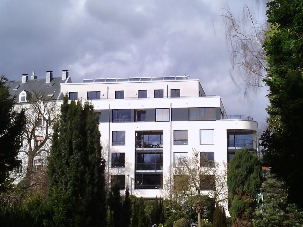 Haus vom Friedhof 2015